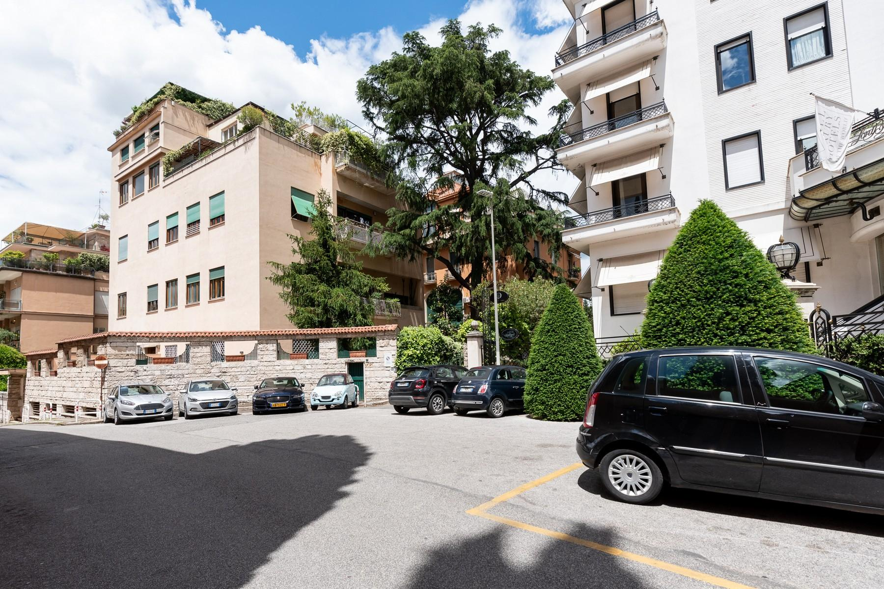 Wide and bright apartment overlooking Villa Borghese - 21