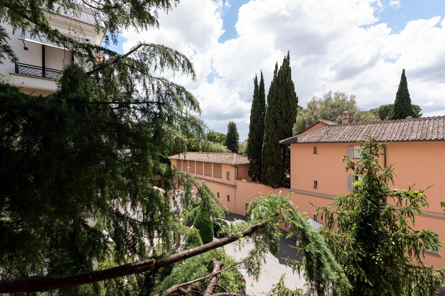 Wide and bright apartment overlooking Villa Borghese - 23