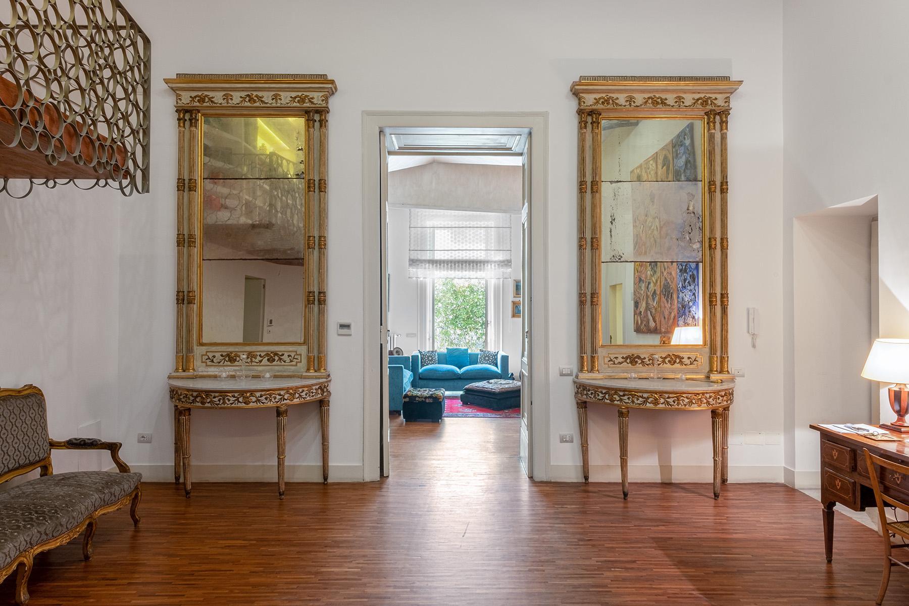 Eklekltische Design-Wohnung mit Terrassen im historischen Palast - 5