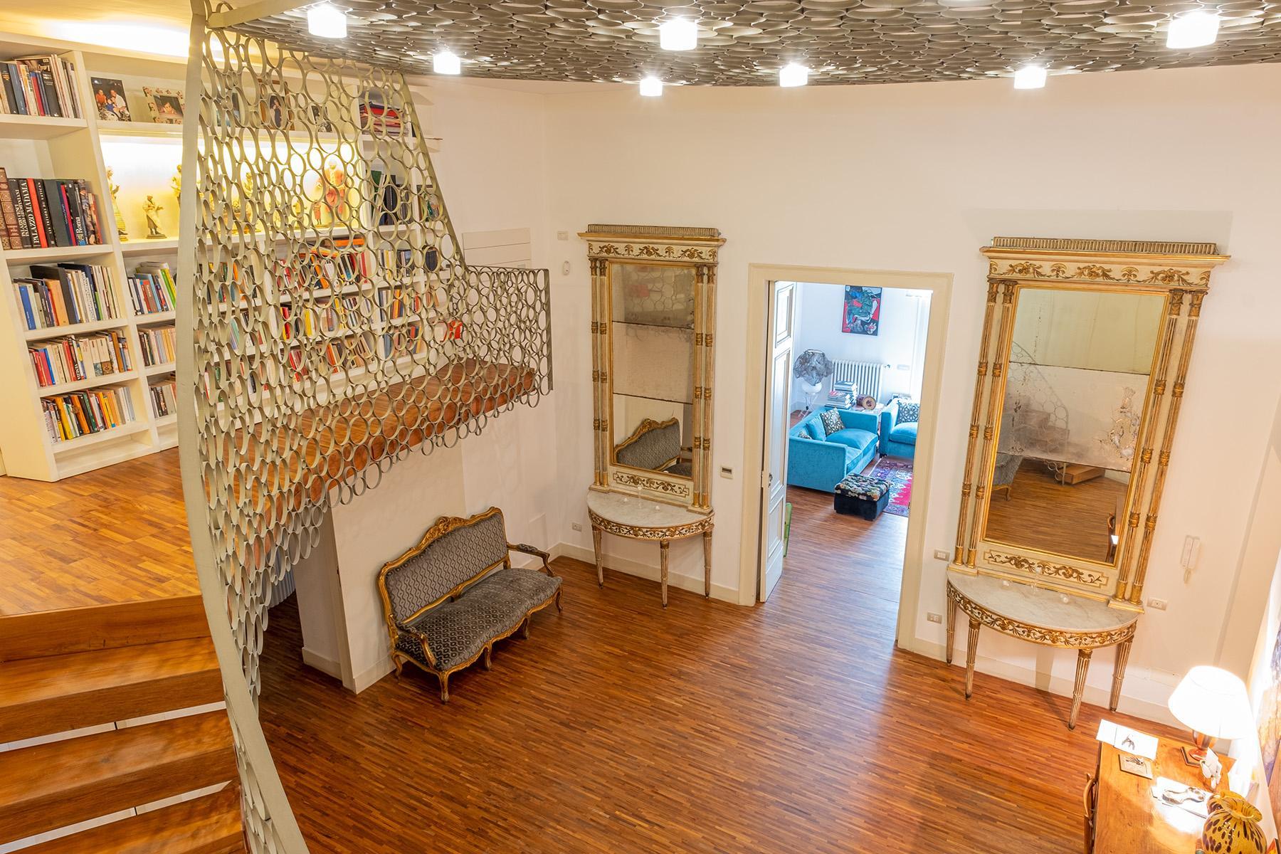 Eklekltische Design-Wohnung mit Terrassen im historischen Palast - 2