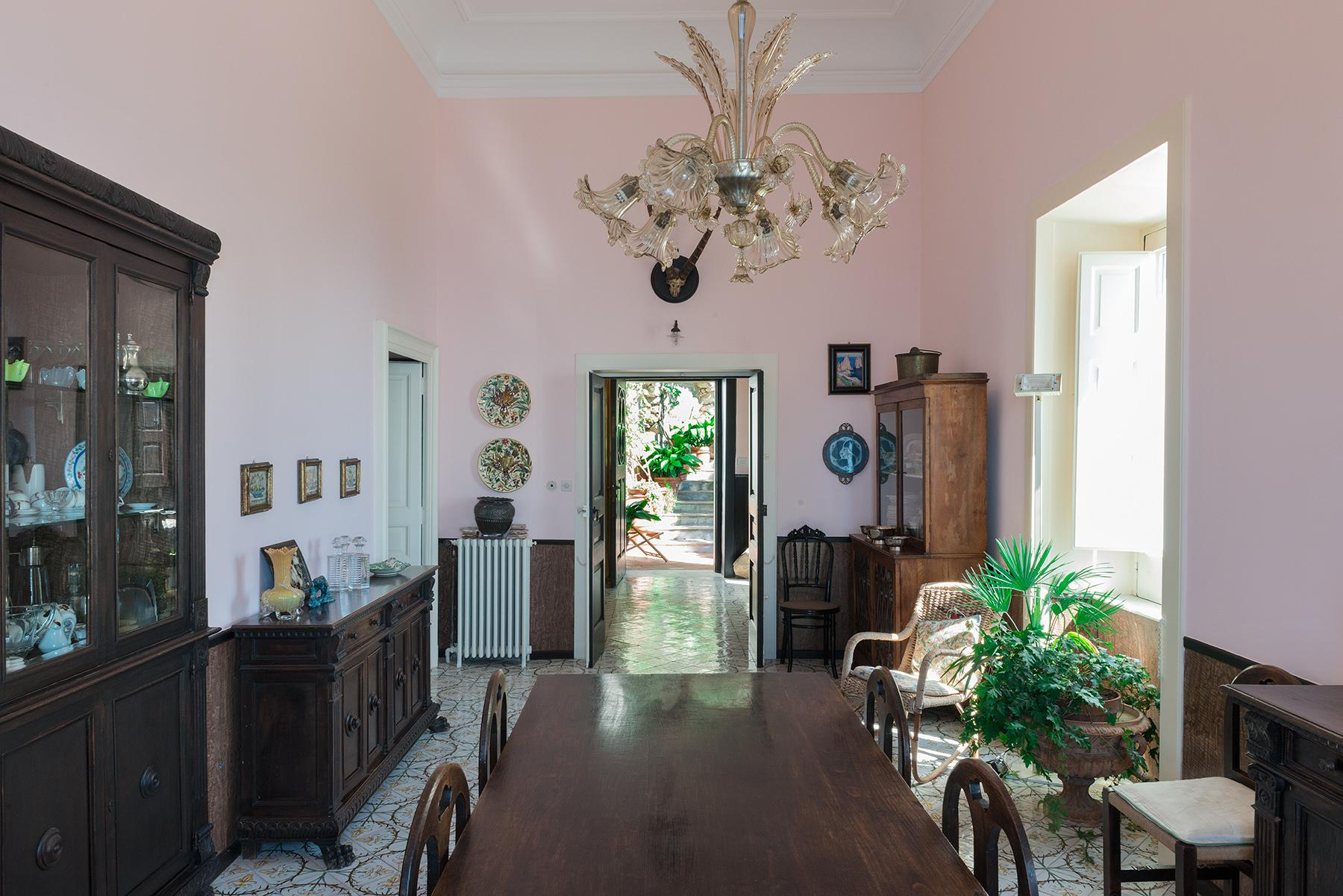 Remarkable villa with a breathtaking panorama on the Faraglioni rocks - 11