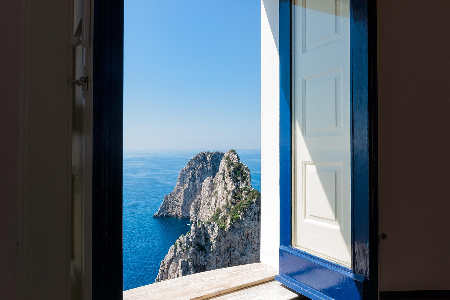 Remarkable villa with a breathtaking panorama on the Faraglioni rocks - 18