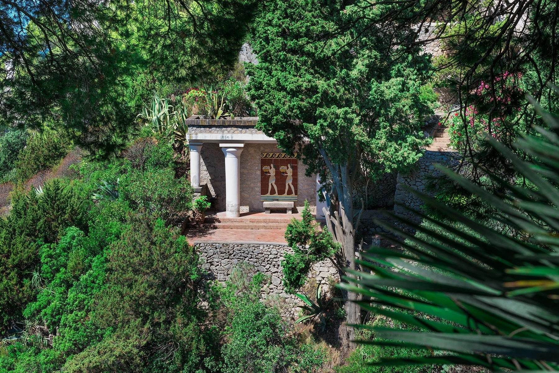 Remarquable villa avec un panorama à couper le souffle sur les rochers de Faraglioni - 26