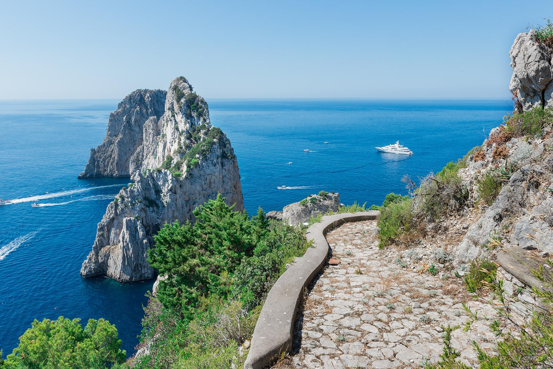 Remarkable villa with a breathtaking panorama on the Faraglioni rocks - 30