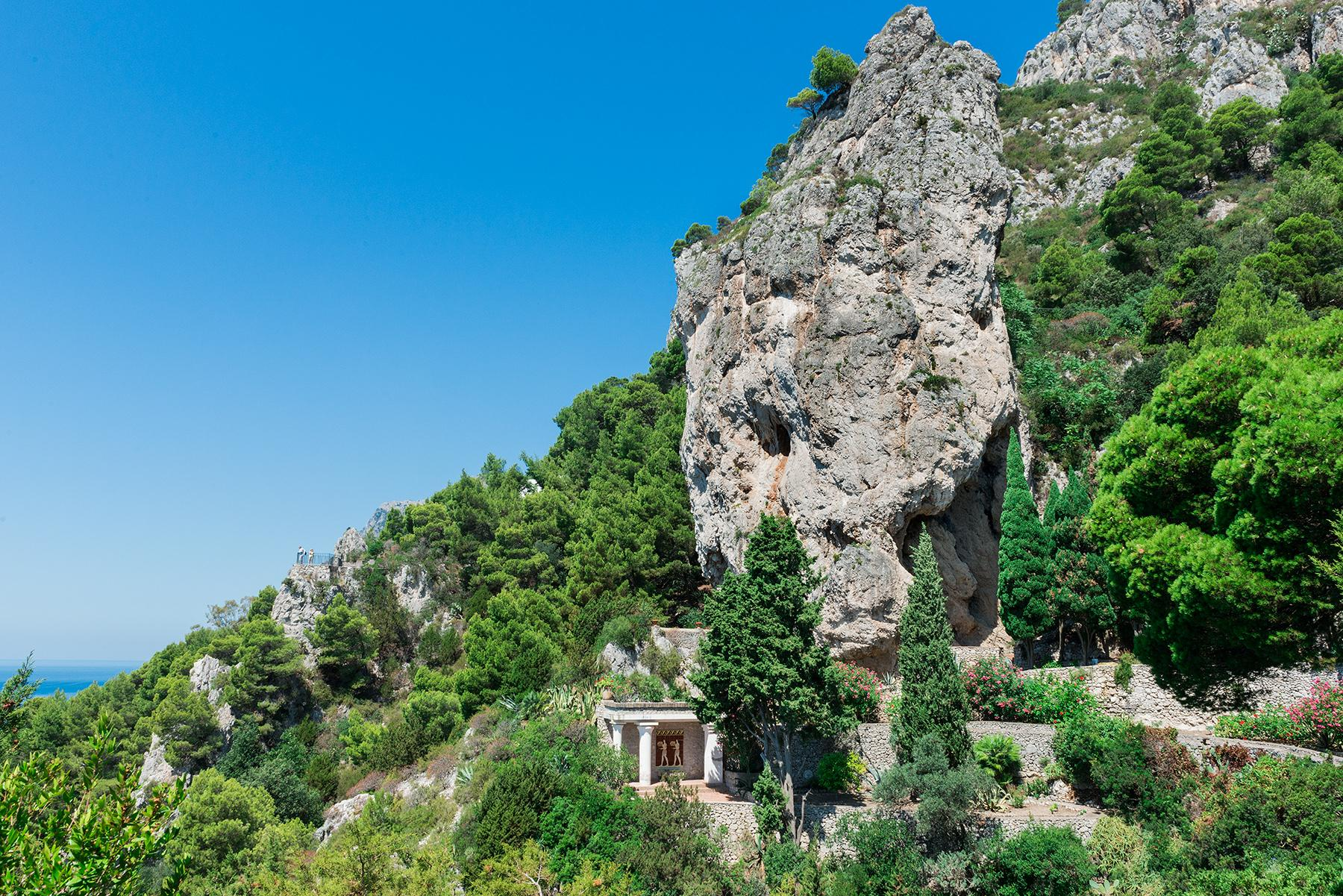 Remarkable villa with a breathtaking panorama on the Faraglioni rocks - 19