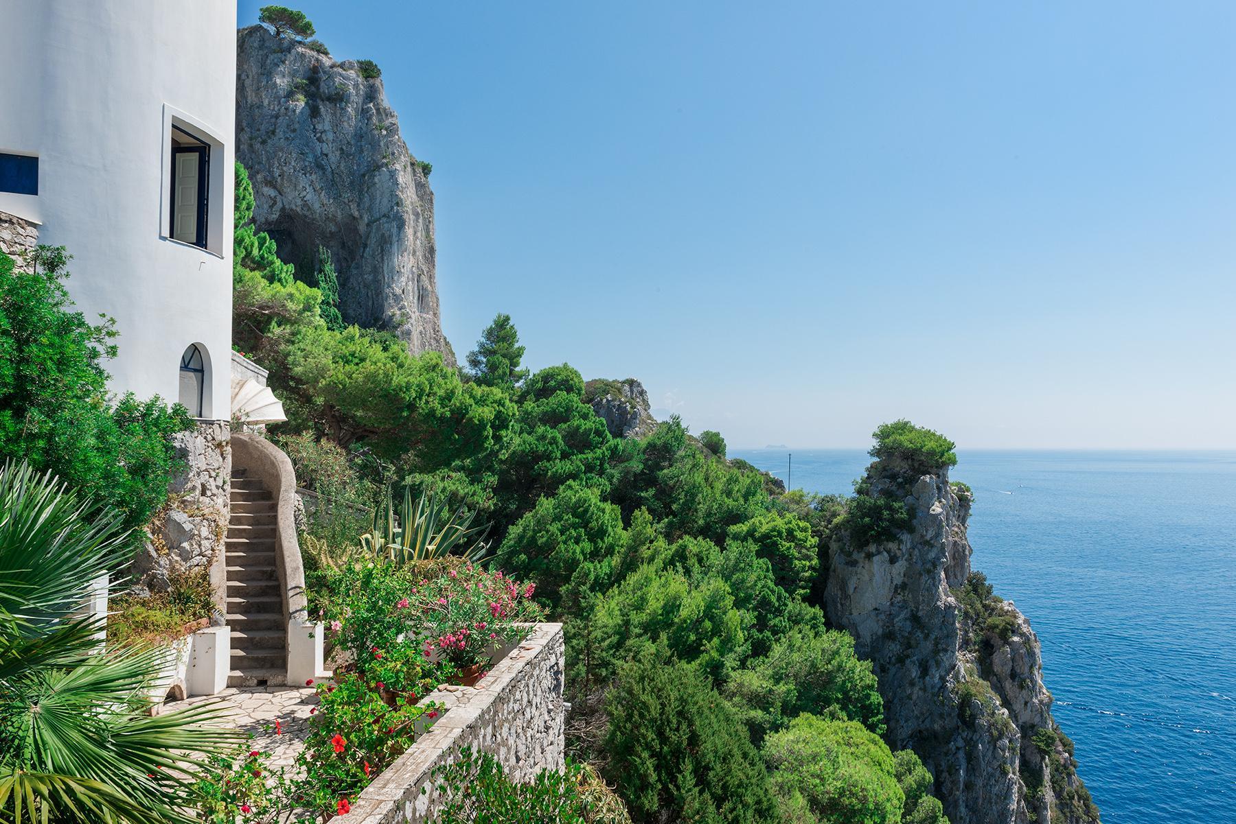 Remarquable villa avec un panorama à couper le souffle sur les rochers de Faraglioni - 25