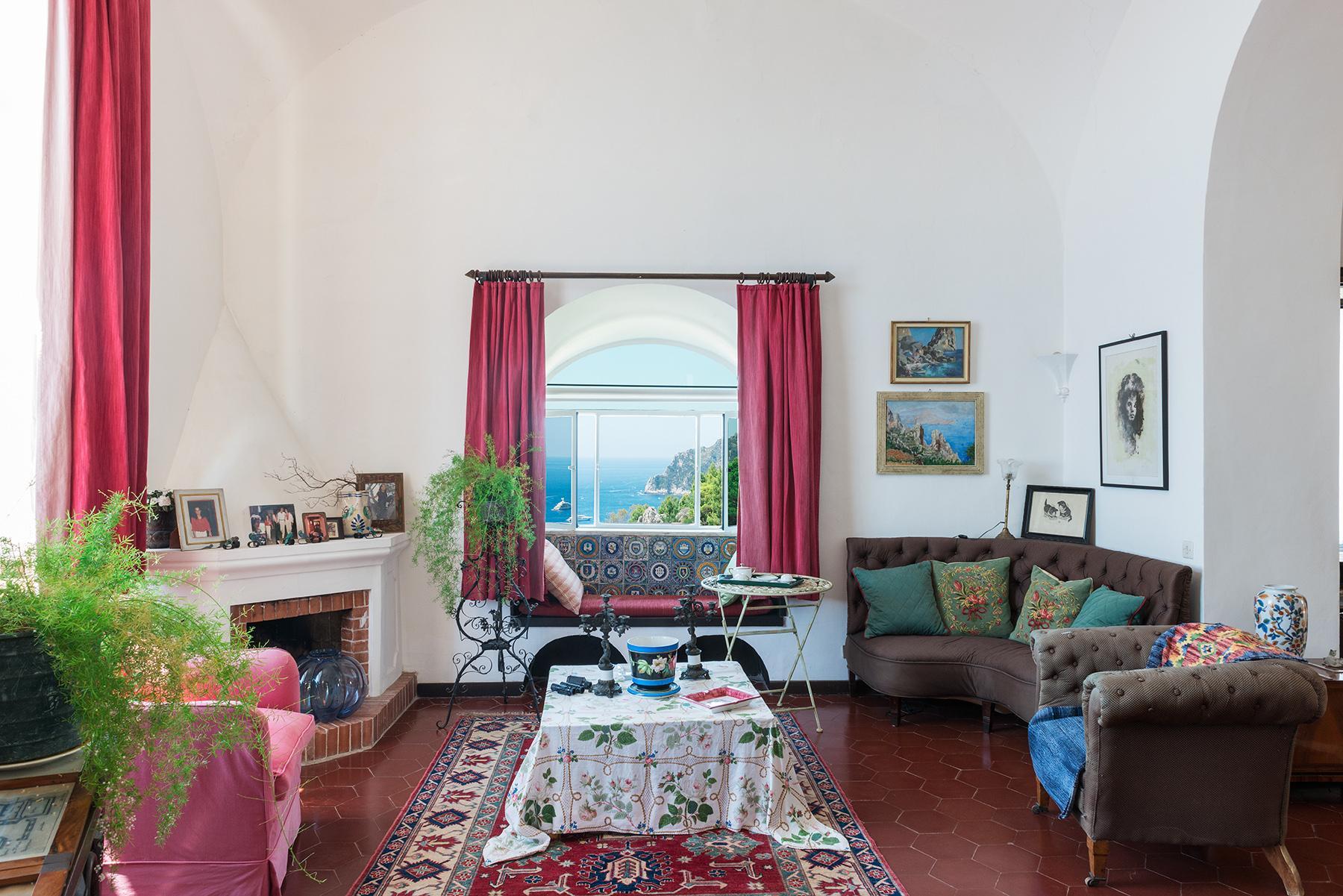 Remarquable villa avec un panorama à couper le souffle sur les rochers de Faraglioni - 14