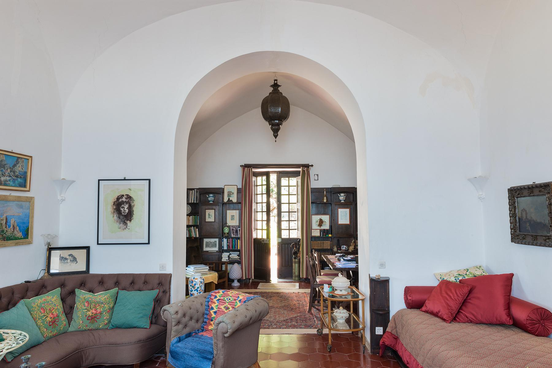 Remarkable villa with a breathtaking panorama on the Faraglioni rocks - 17