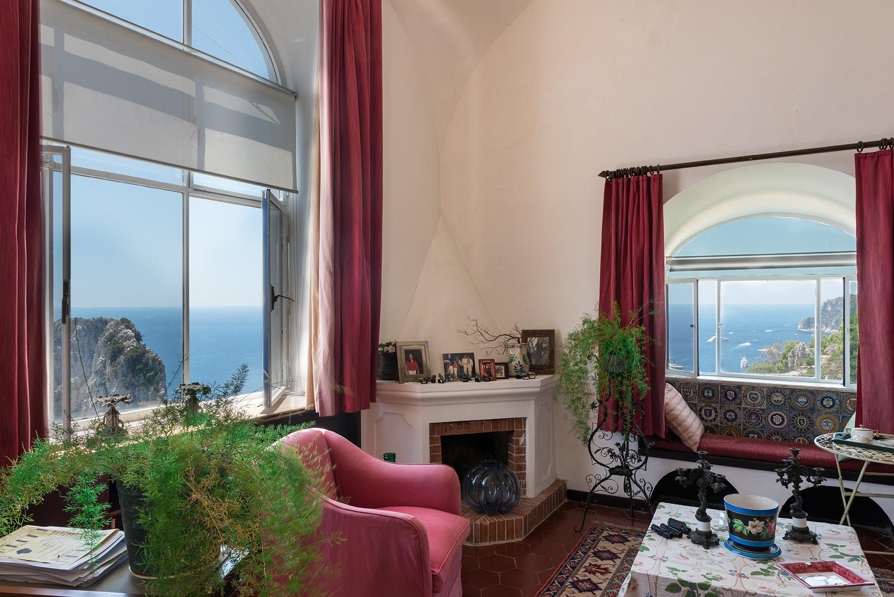 Remarquable villa avec un panorama à couper le souffle sur les rochers de Faraglioni - 20
