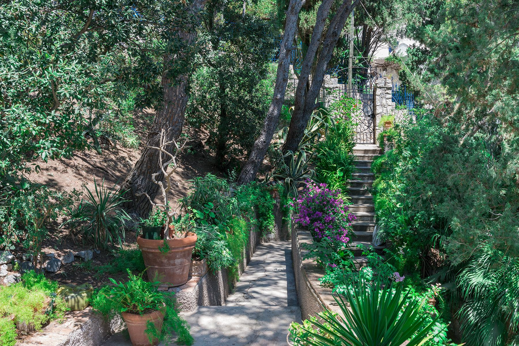 Remarquable villa avec un panorama à couper le souffle sur les rochers de Faraglioni - 29