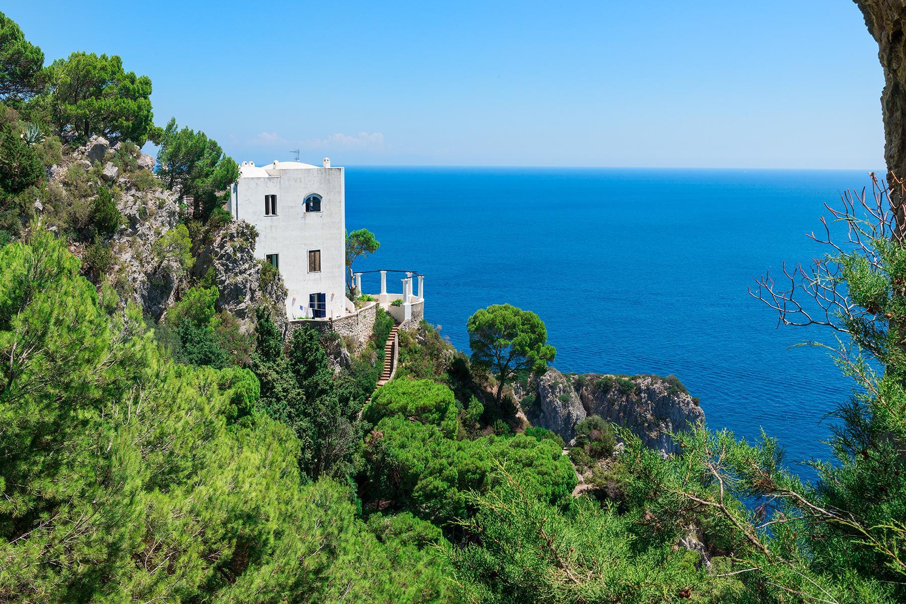 Remarquable villa avec un panorama à couper le souffle sur les rochers de Faraglioni - 31
