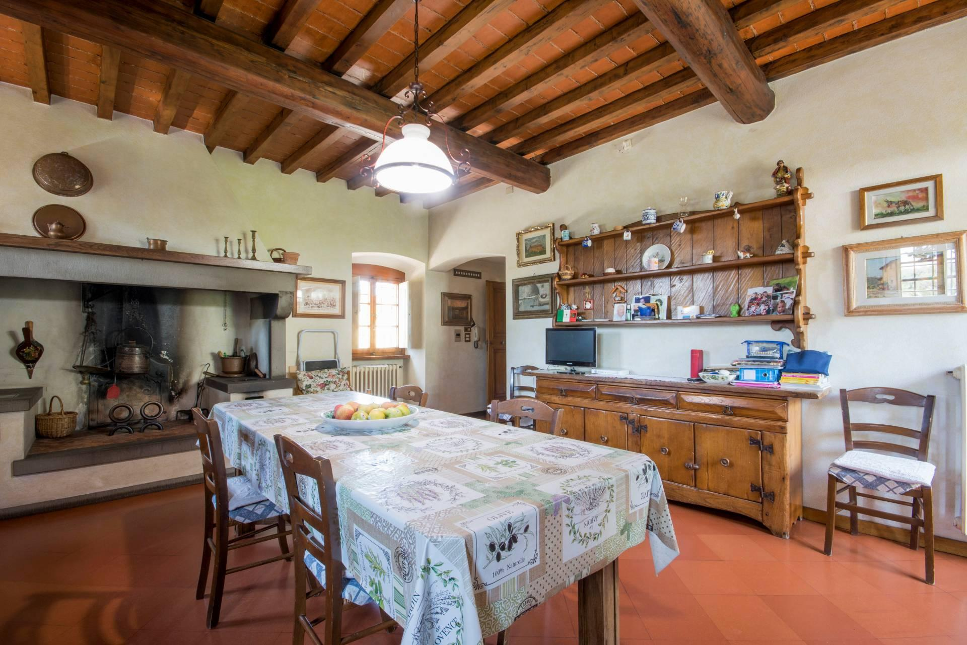 Charming Tuscan villa with views over Florence - 19