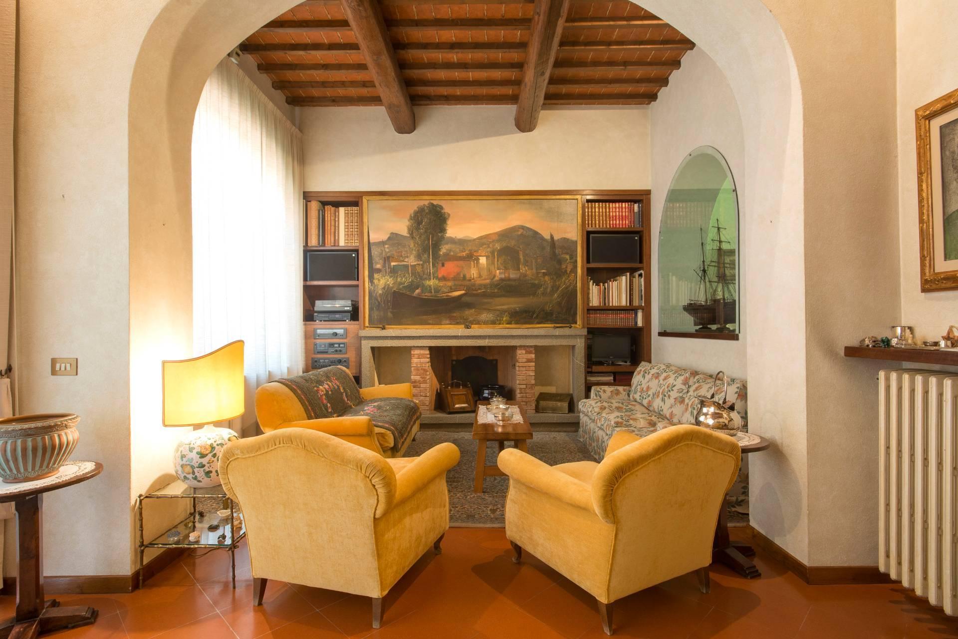 Villa storica con vista su Firenze - 10