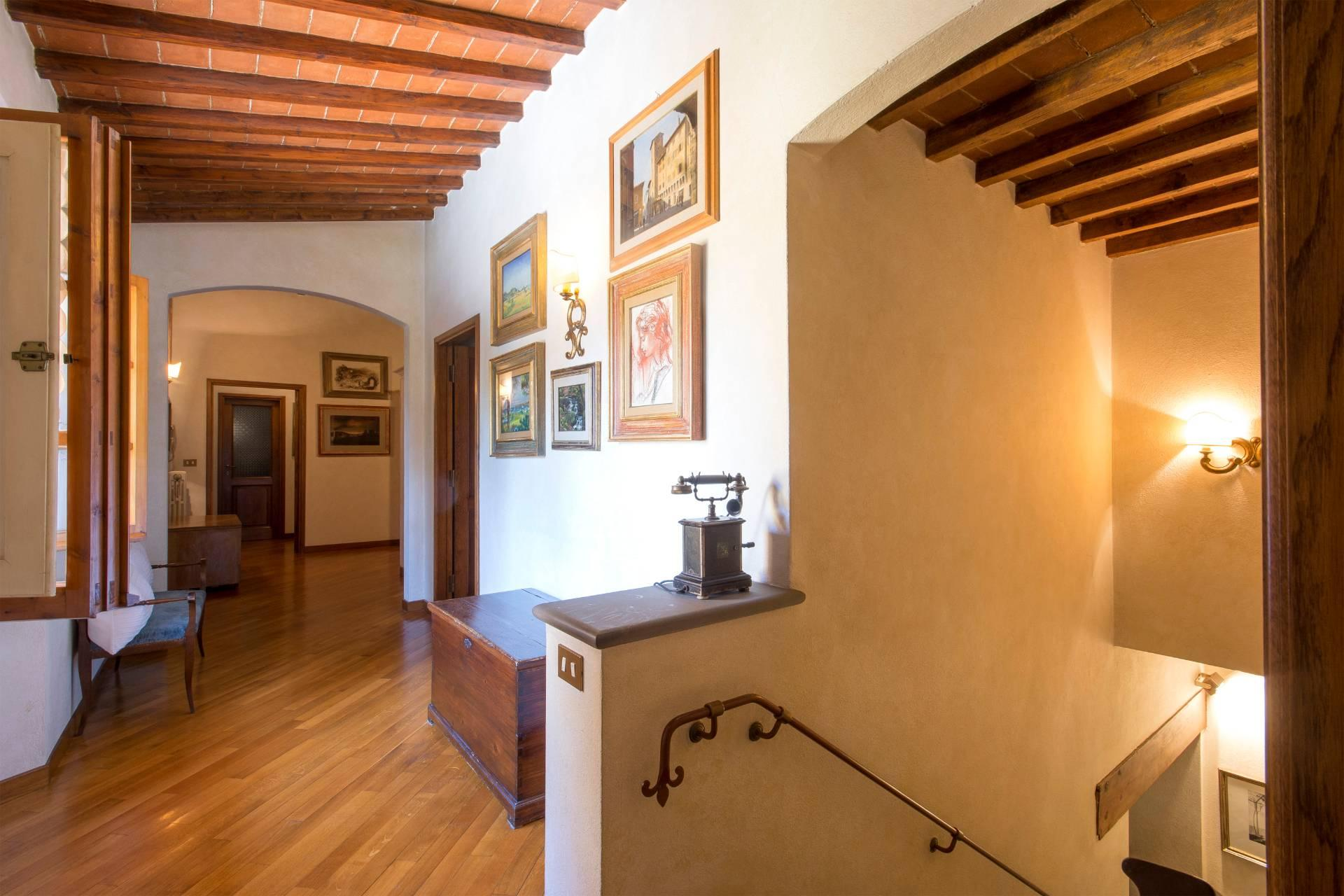 Charming Tuscan villa with views over Florence - 21