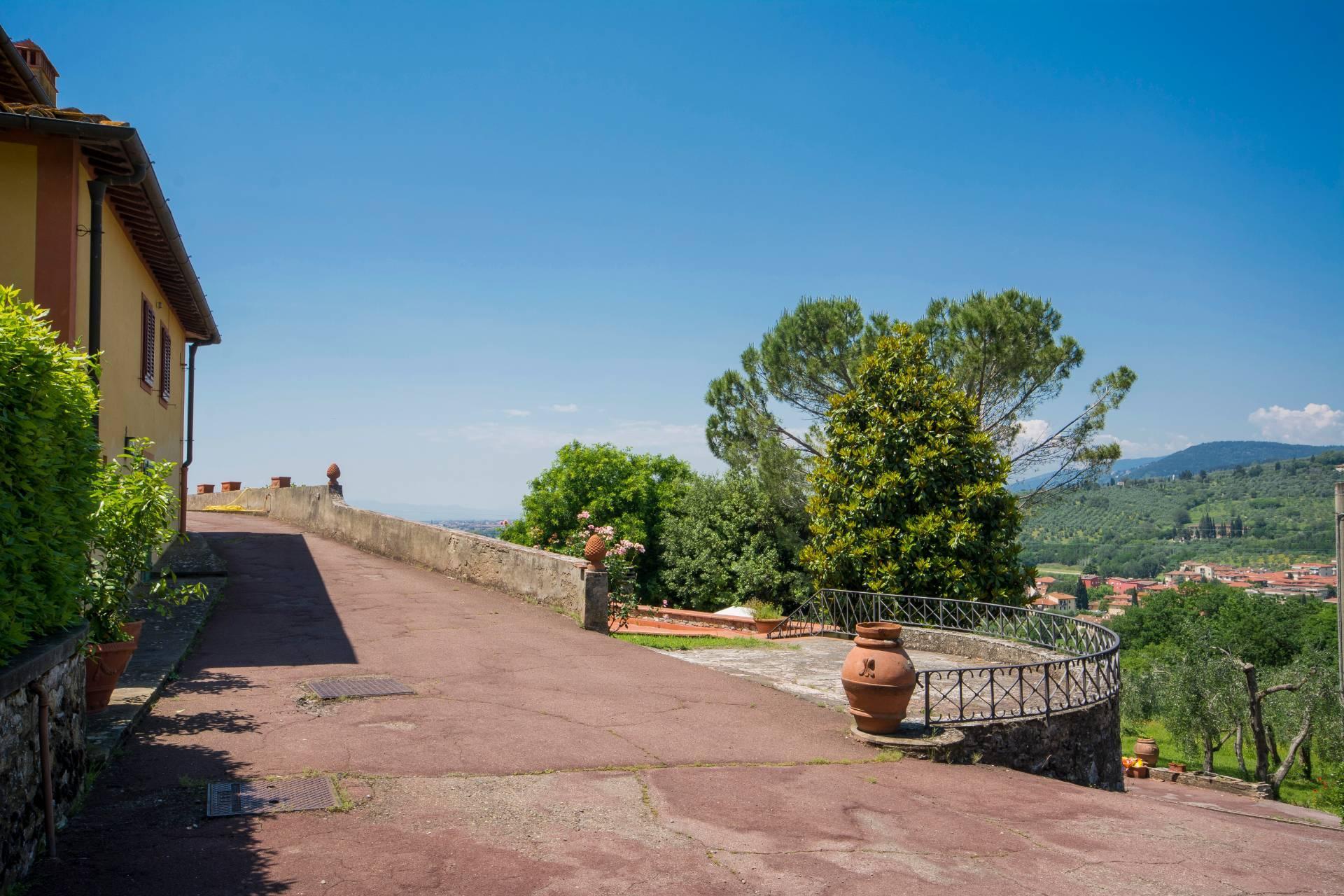 Villa toscane de charme avec vue sur Florence - 26