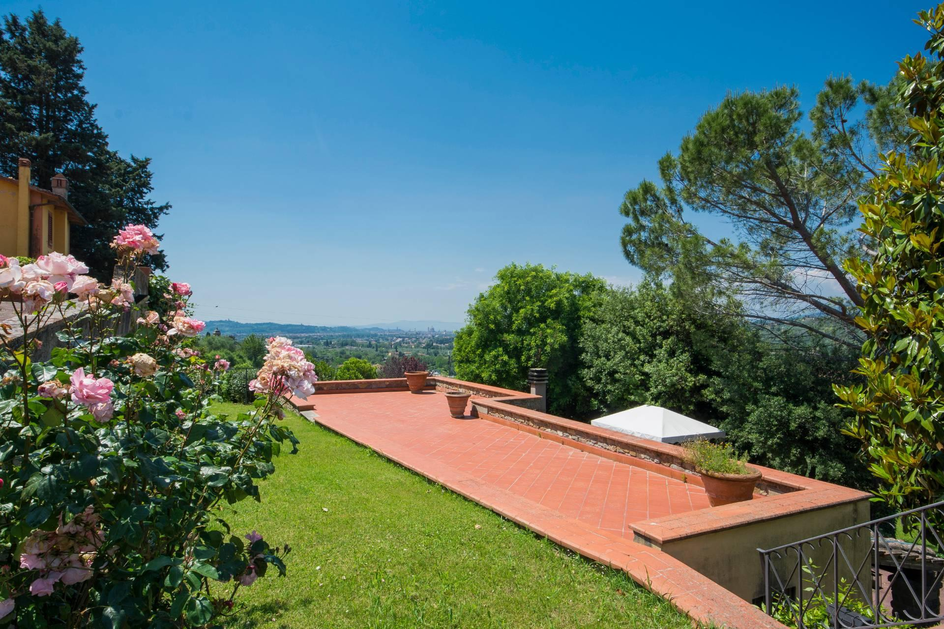 Villa toscane de charme avec vue sur Florence - 2
