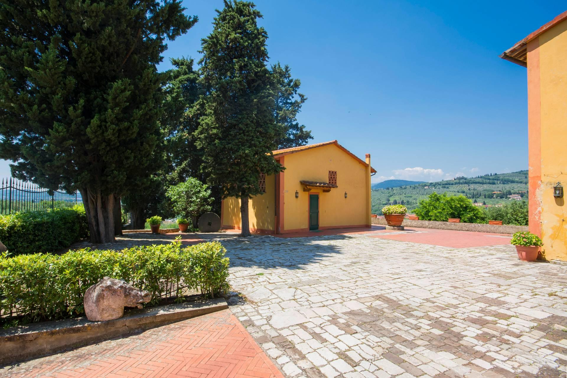 Charming Tuscan villa with views over Florence - 8