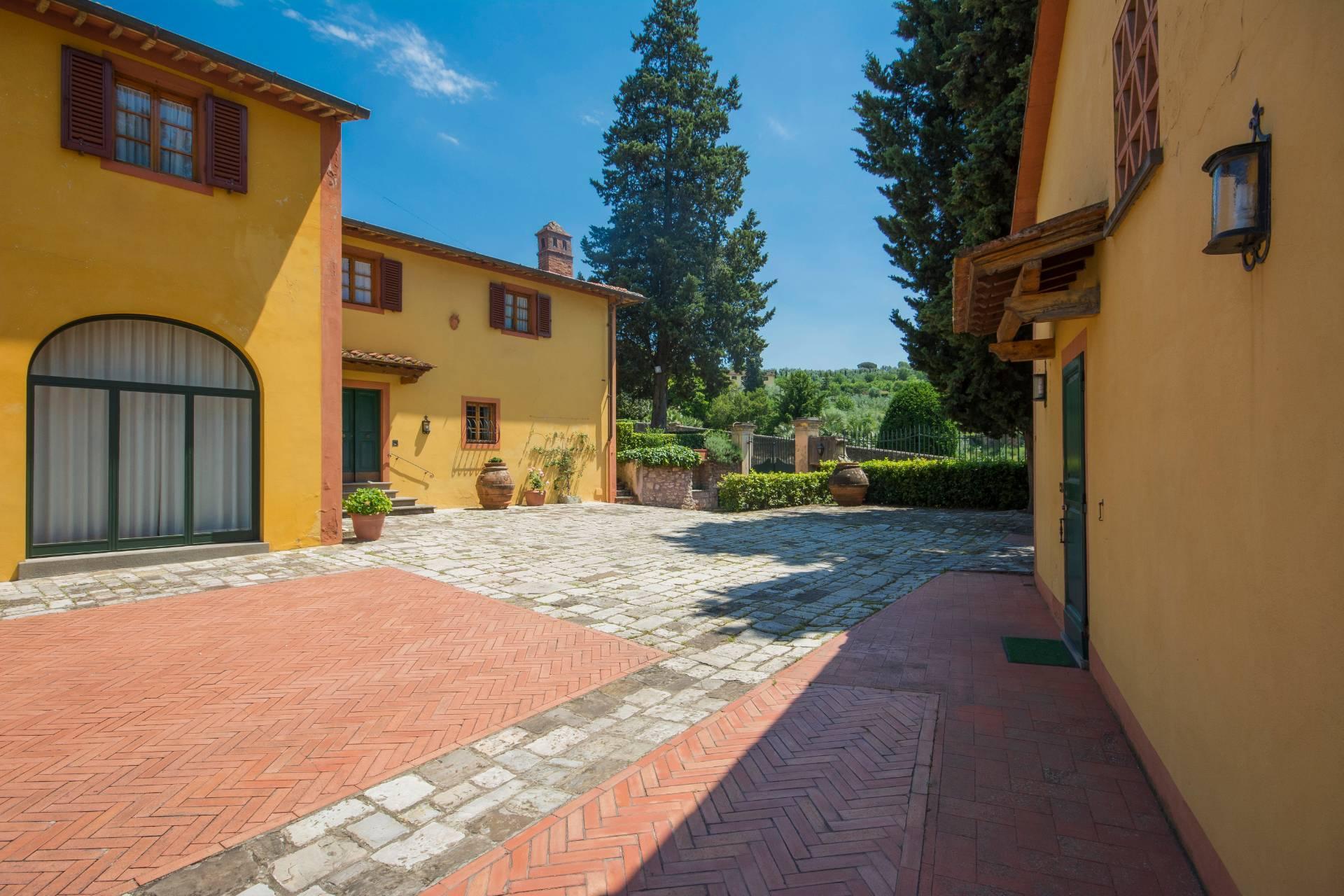 Villa storica con vista su Firenze - 1