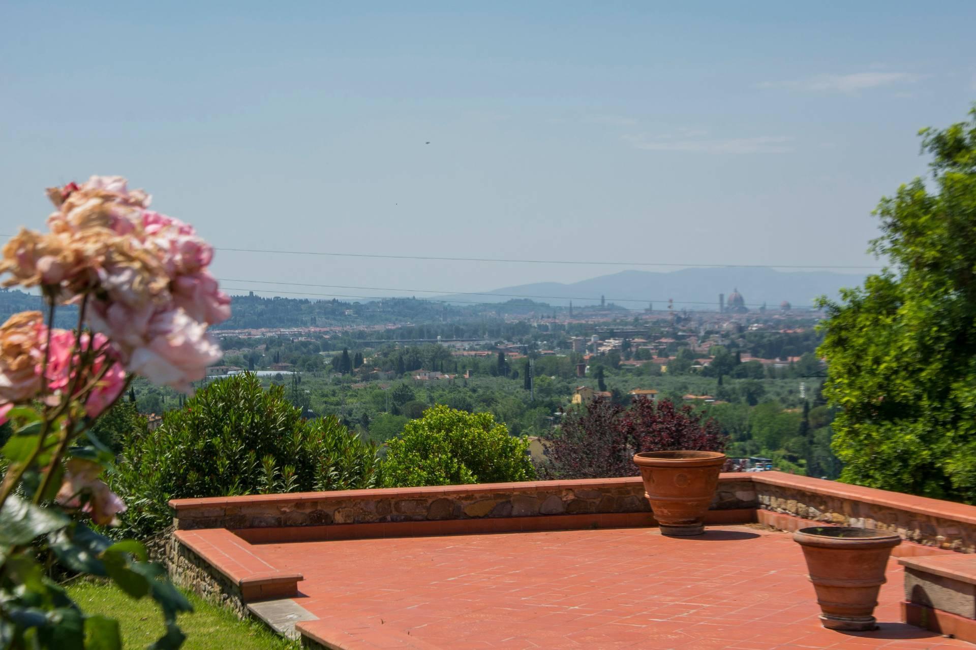 Villa toscane de charme avec vue sur Florence - 32