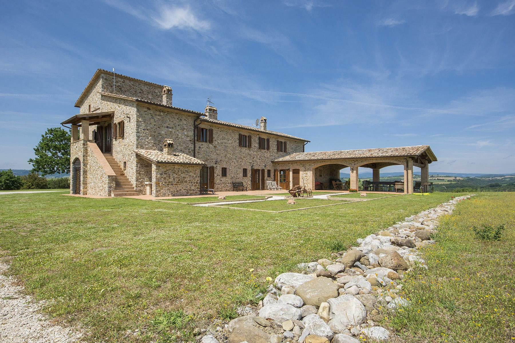Eccezionale proprietà tra Toscana e Umbria - 4