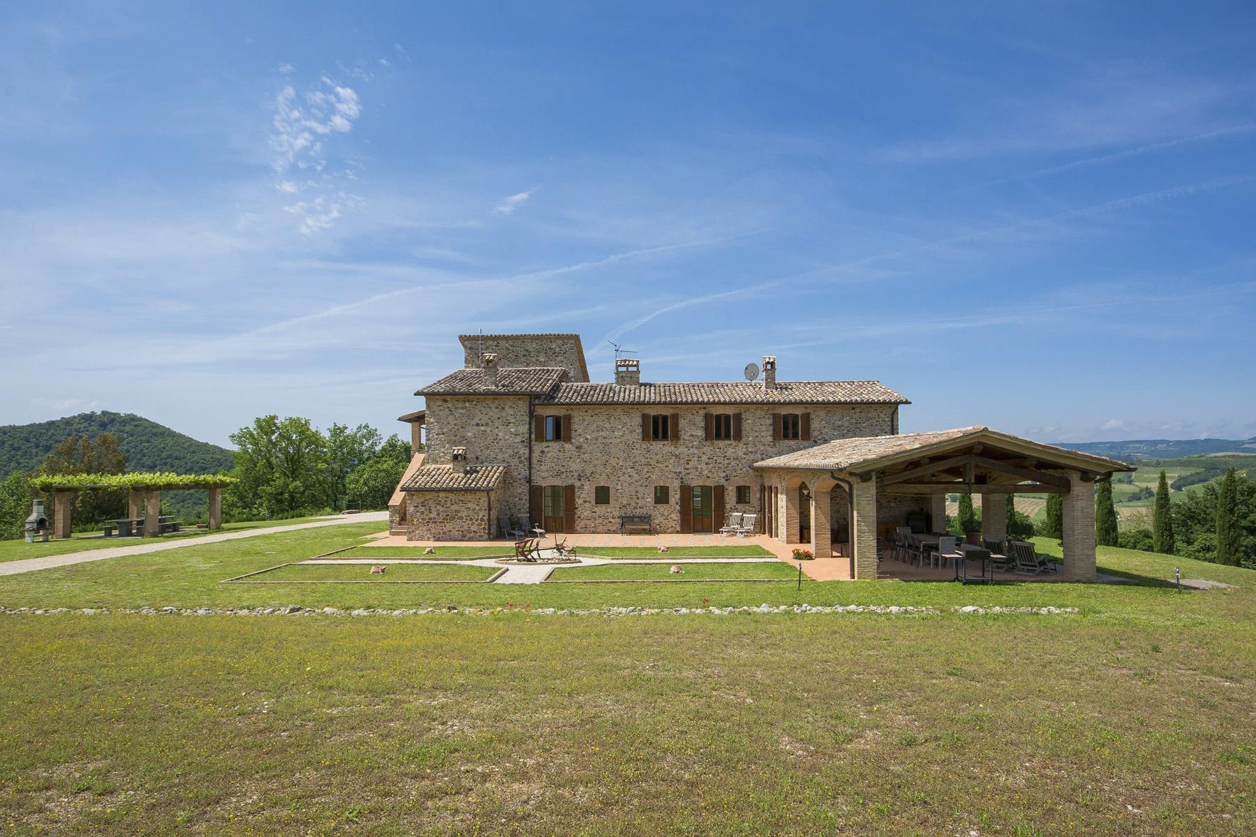 Eccezionale proprietà tra Toscana e Umbria - 5
