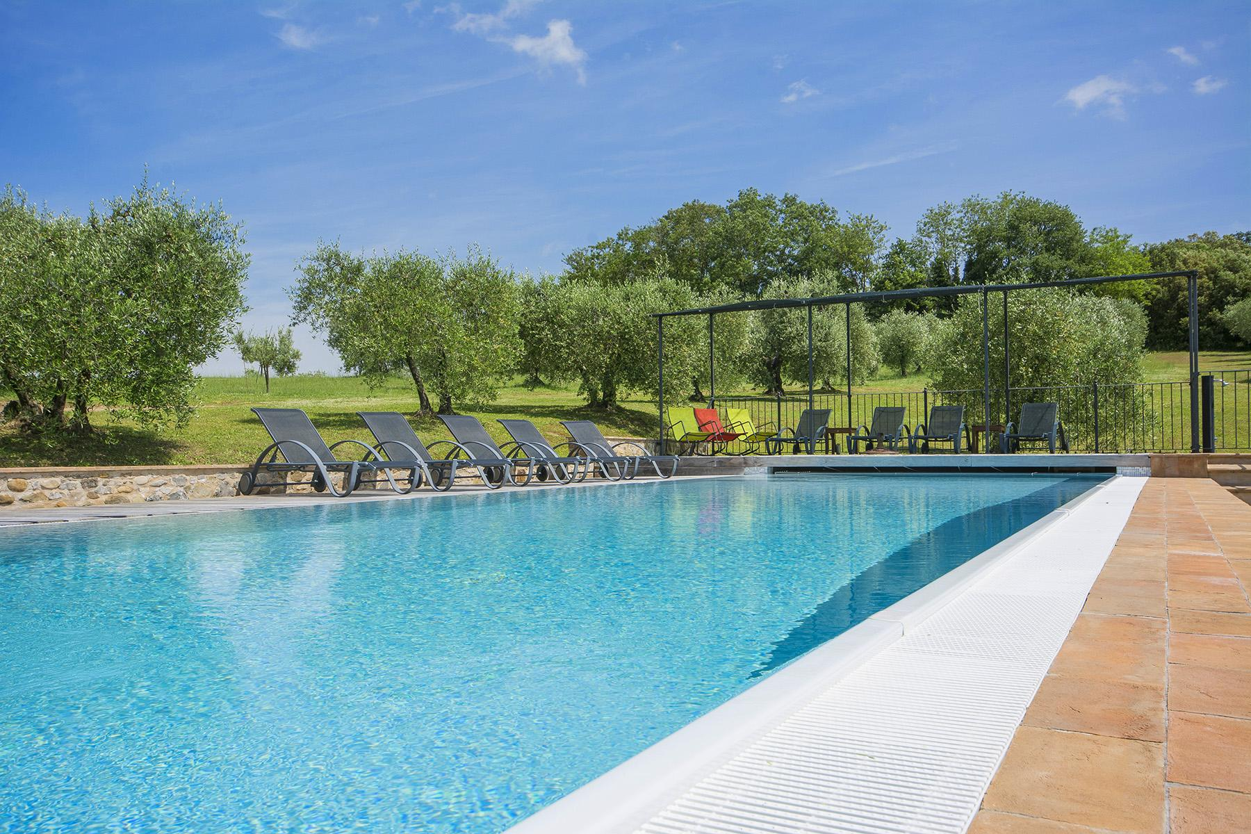 Exceptional property between Tuscany and Umbria - 9
