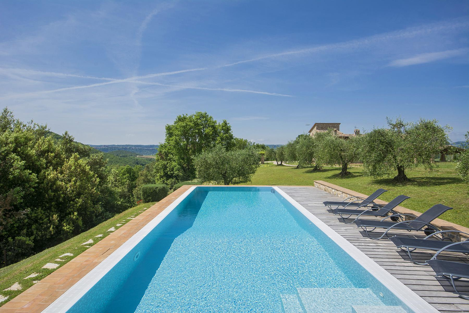 Exceptional property between Tuscany and Umbria - 10
