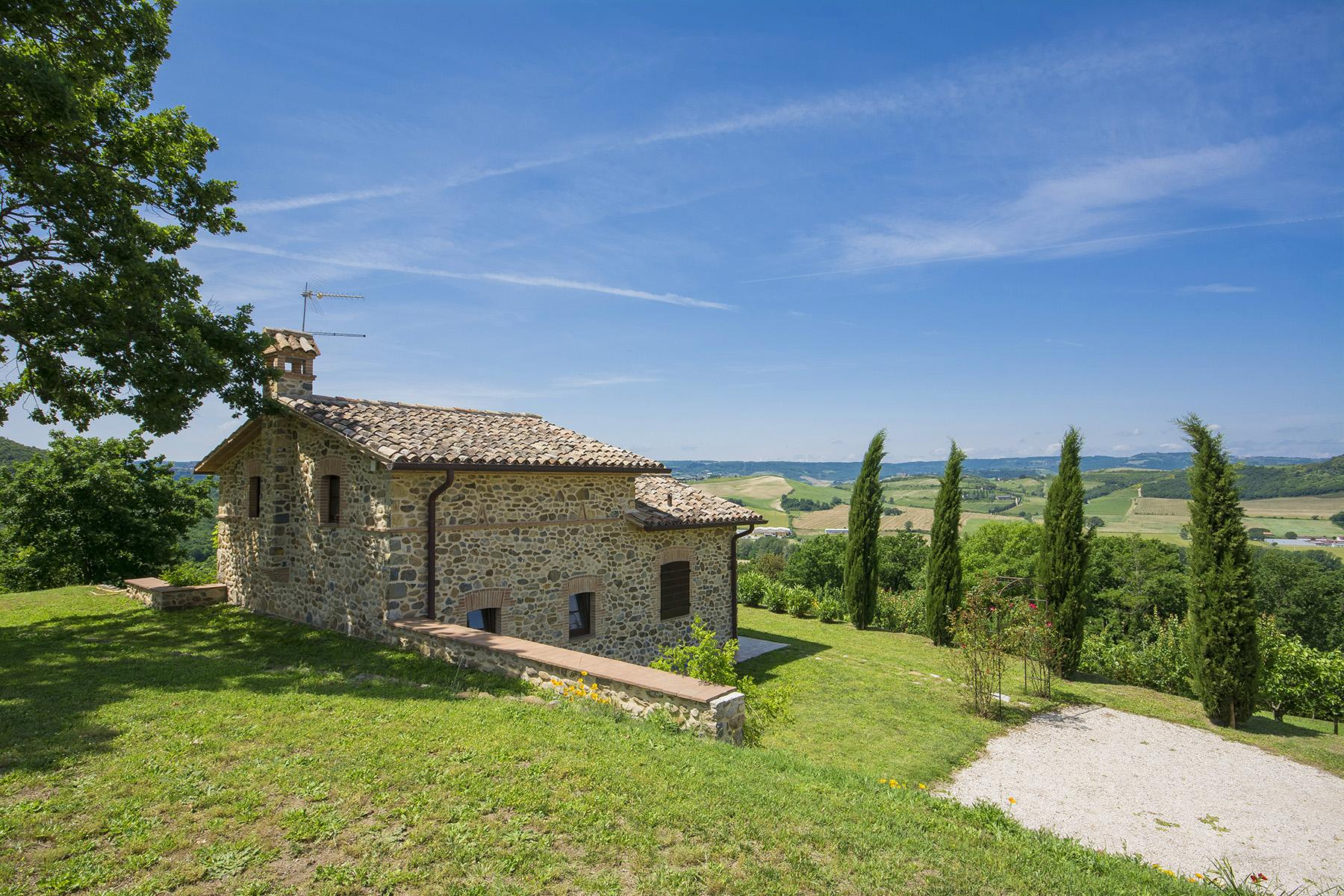 Exceptional property between Tuscany and Umbria - 22
