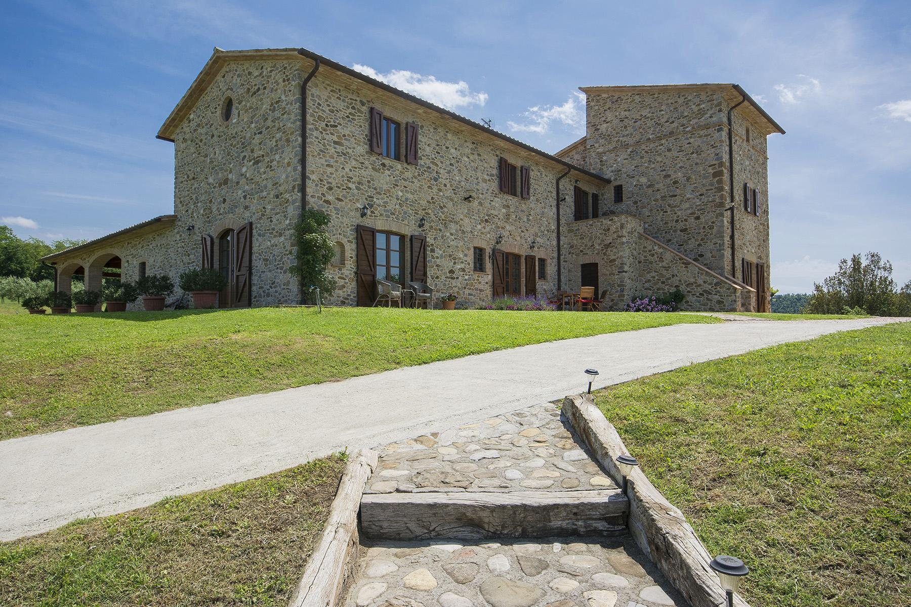 Exceptional property between Tuscany and Umbria - 2