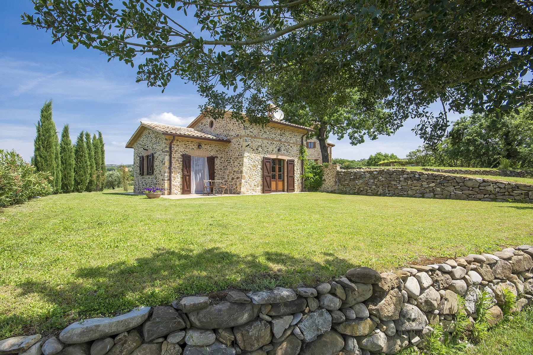 Exceptional property between Tuscany and Umbria - 23