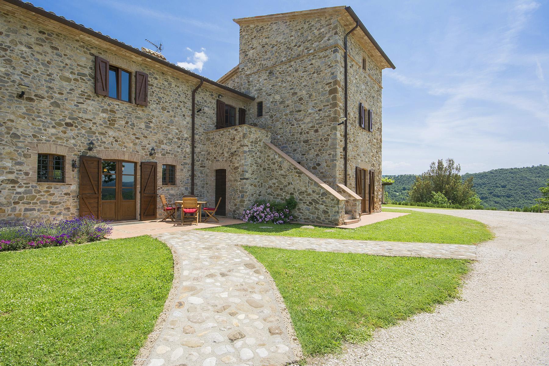 Eccezionale proprietà tra Toscana e Umbria - 1