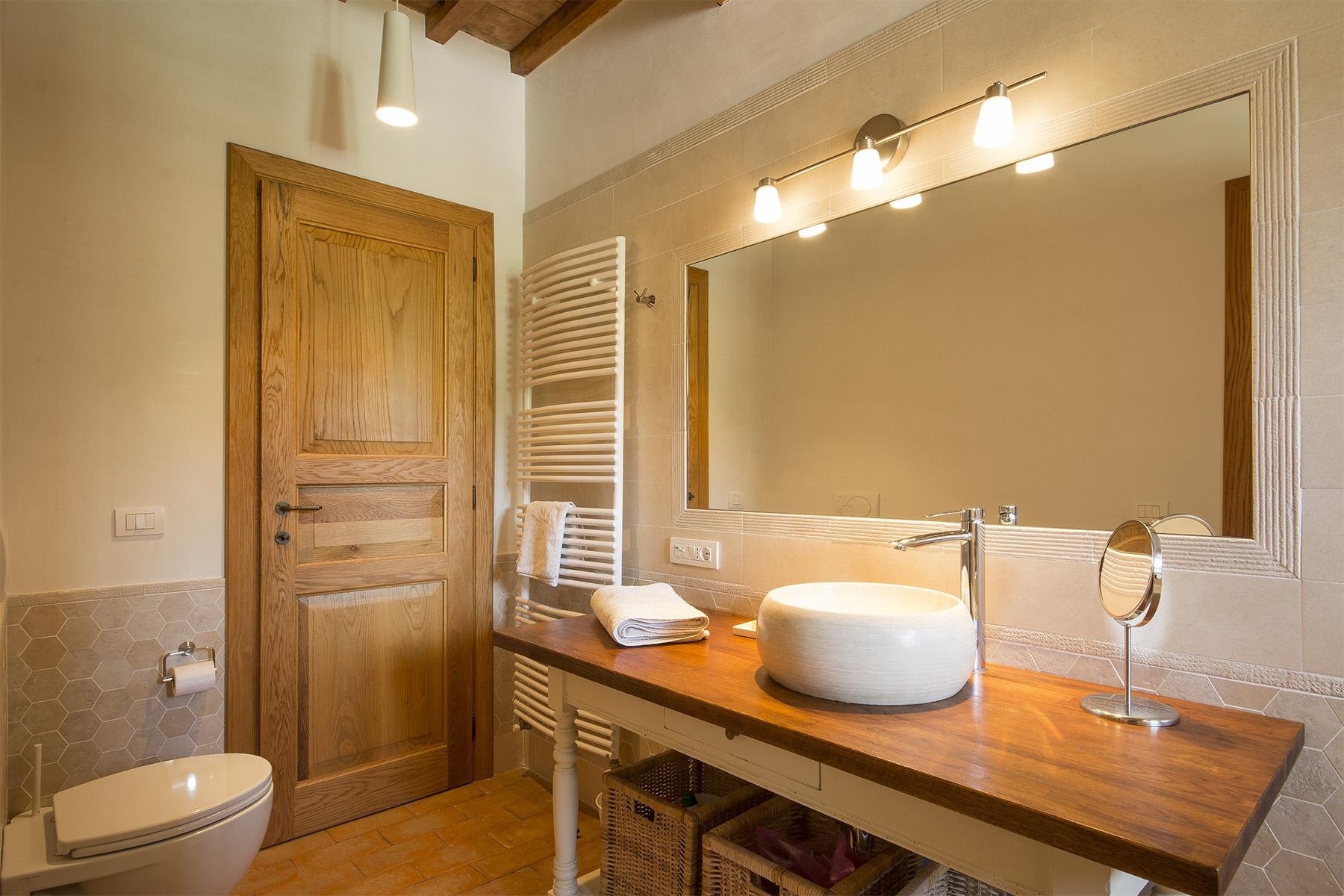 Exceptional property between Tuscany and Umbria - 17