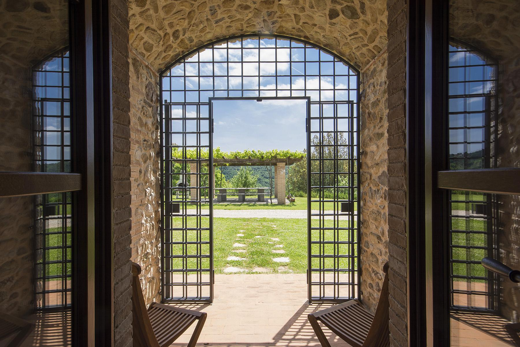 Exceptional property between Tuscany and Umbria - 14