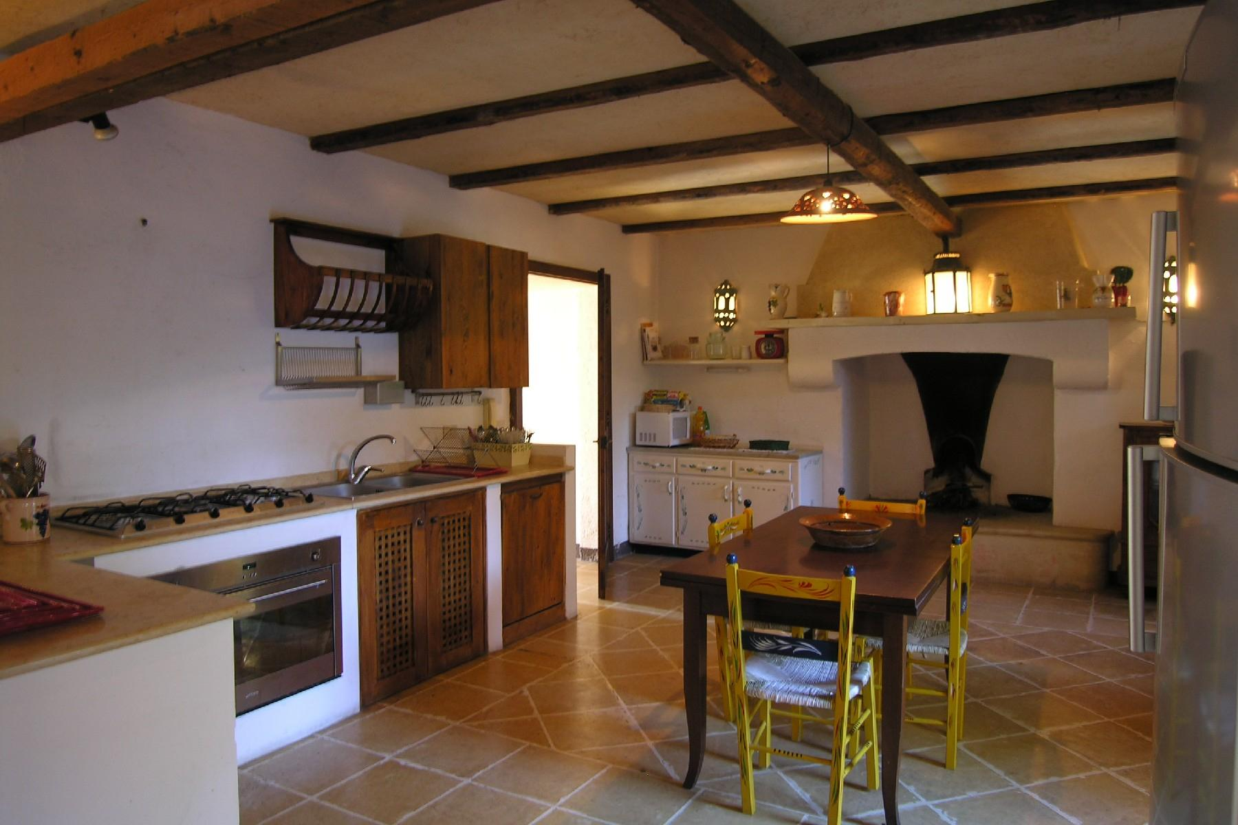 Typical country house with features of the Salento style - 7