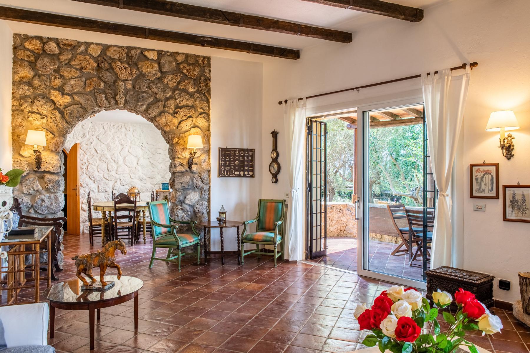 Wundeschöne Villa aus Stein in einzigartiger Umgebung - 13