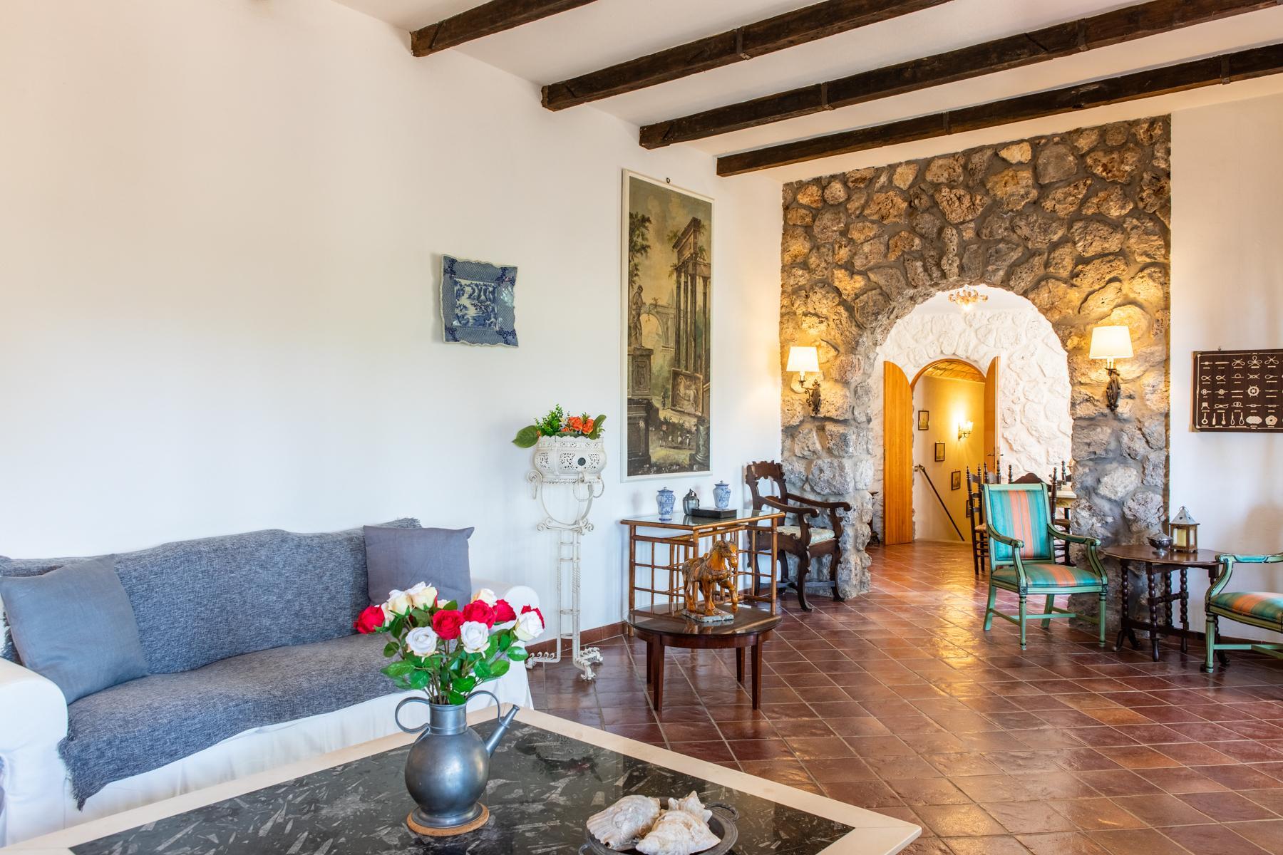 Wundeschöne Villa aus Stein in einzigartiger Umgebung - 14