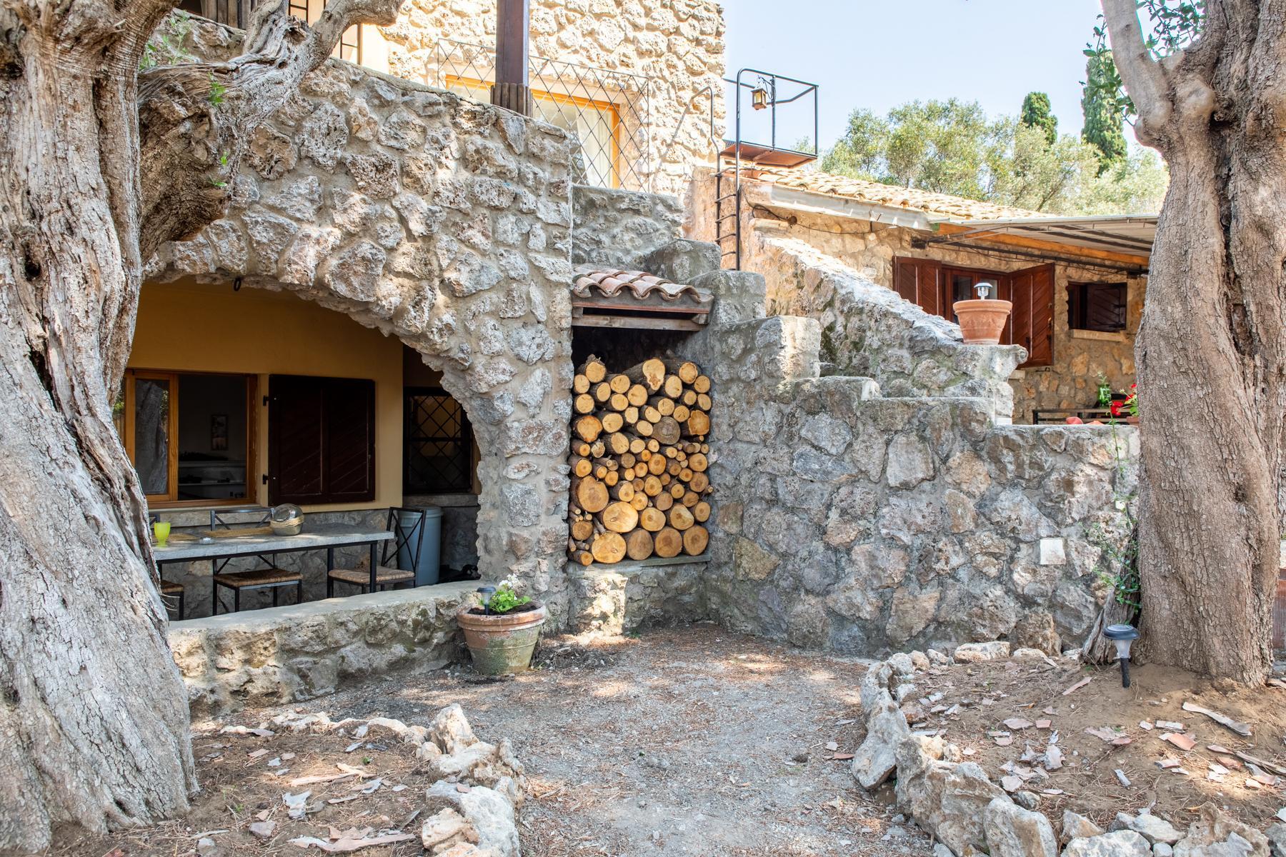 Wundeschöne Villa aus Stein in einzigartiger Umgebung - 6