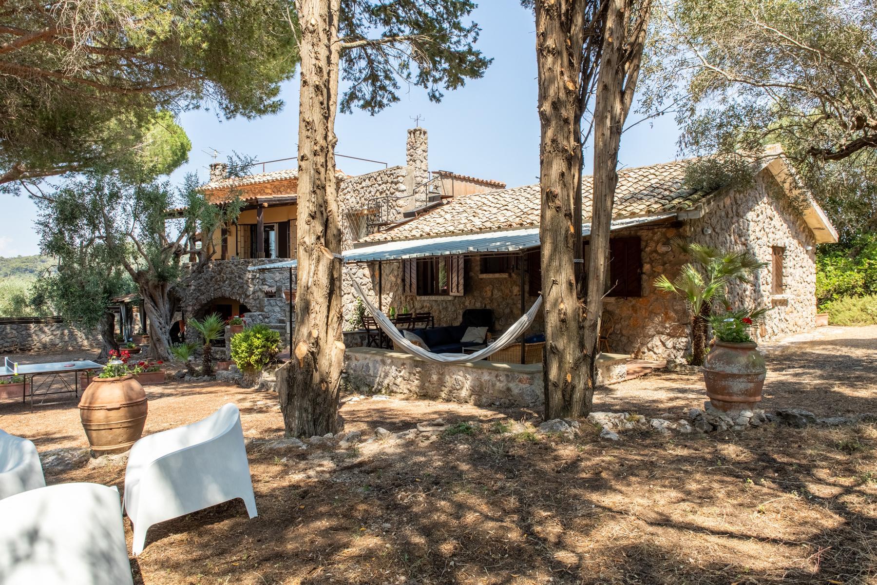 Charmante villa en pierre avec jardin - 2