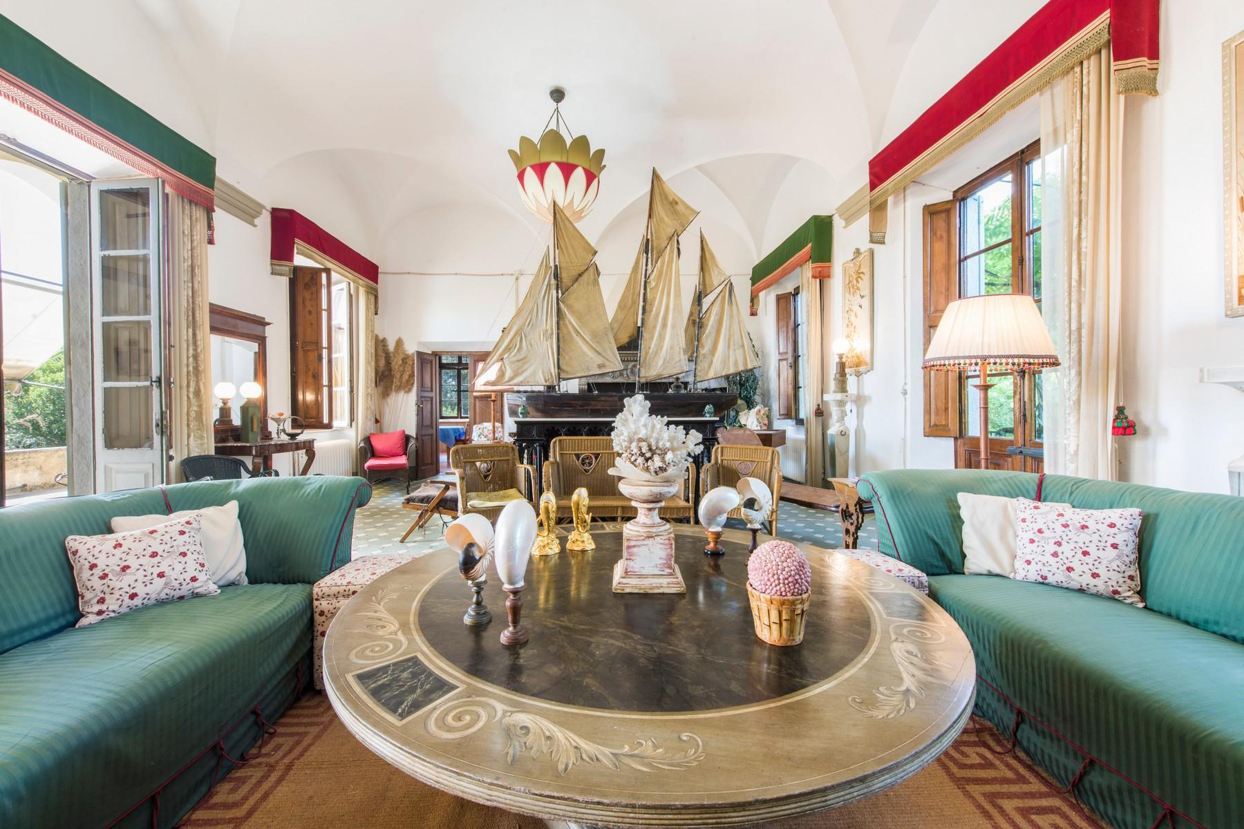 Villa historique en bord de mer à Forte dei Marmi - 12