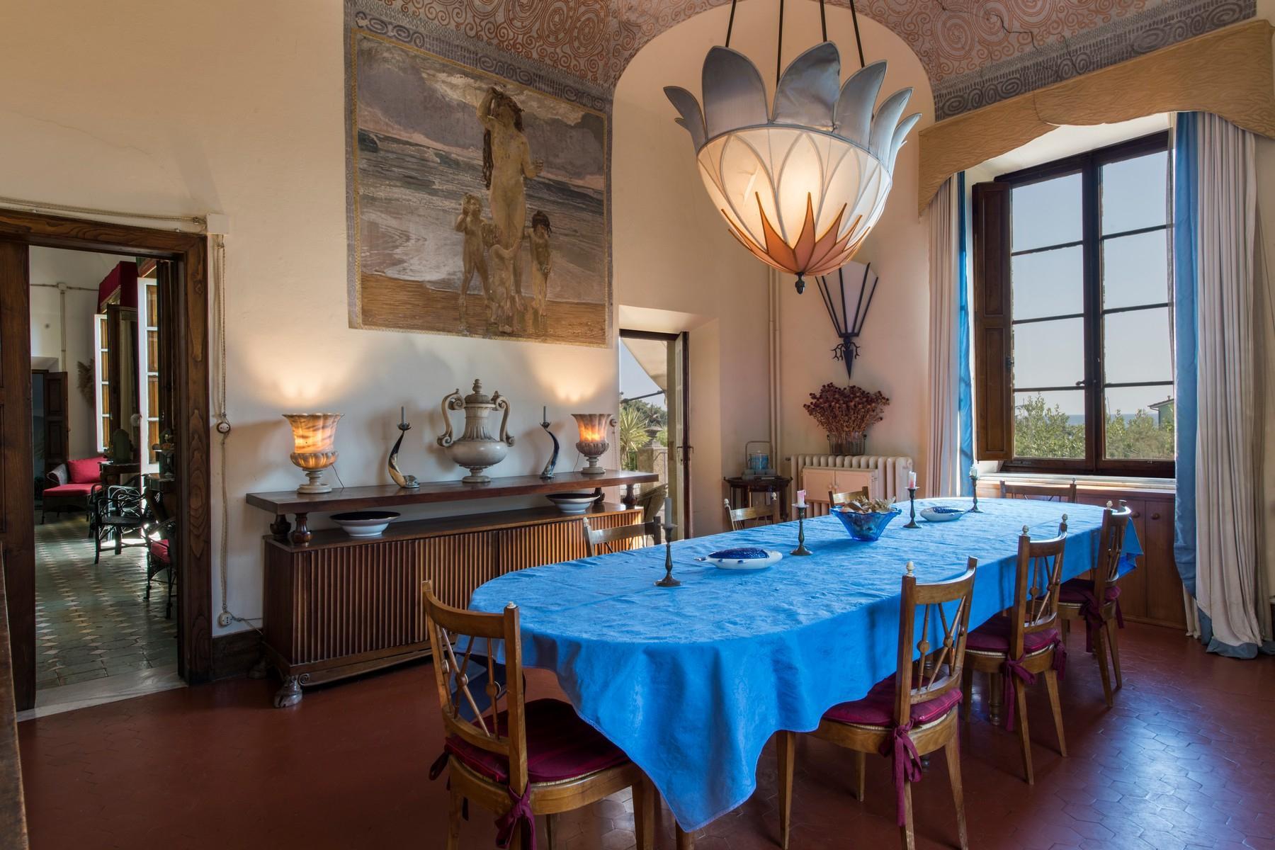 Villa historique en bord de mer à Forte dei Marmi - 10