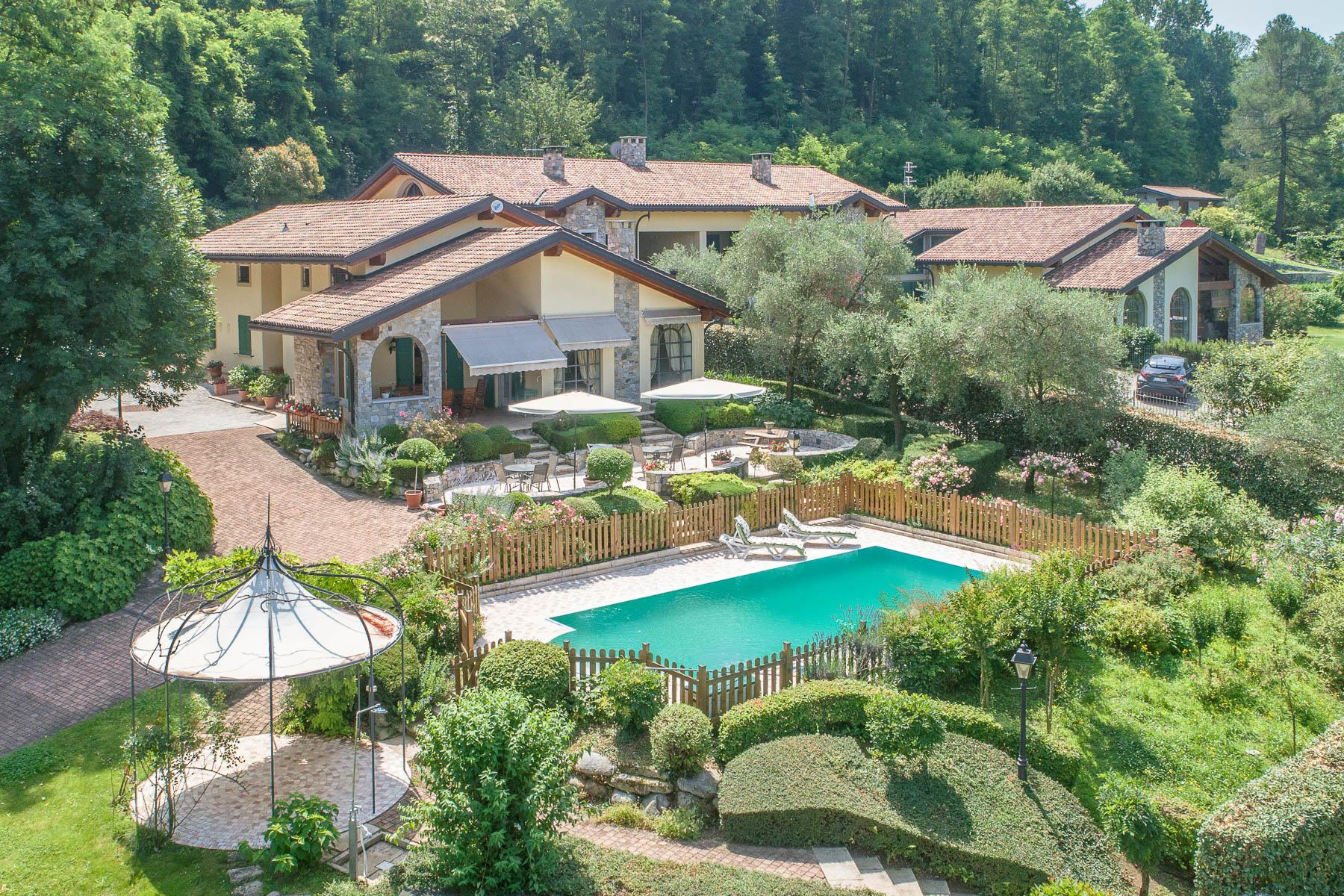 Elegant villa with pool on the Lombardy side of Lake Maggiore - 3