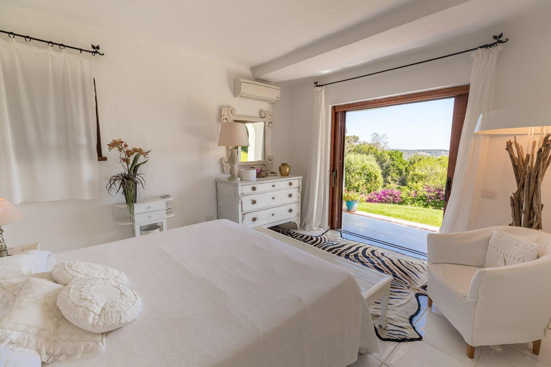 Porto Cervo Pantogia Prestigious sea view Villa immersed in the green - 15