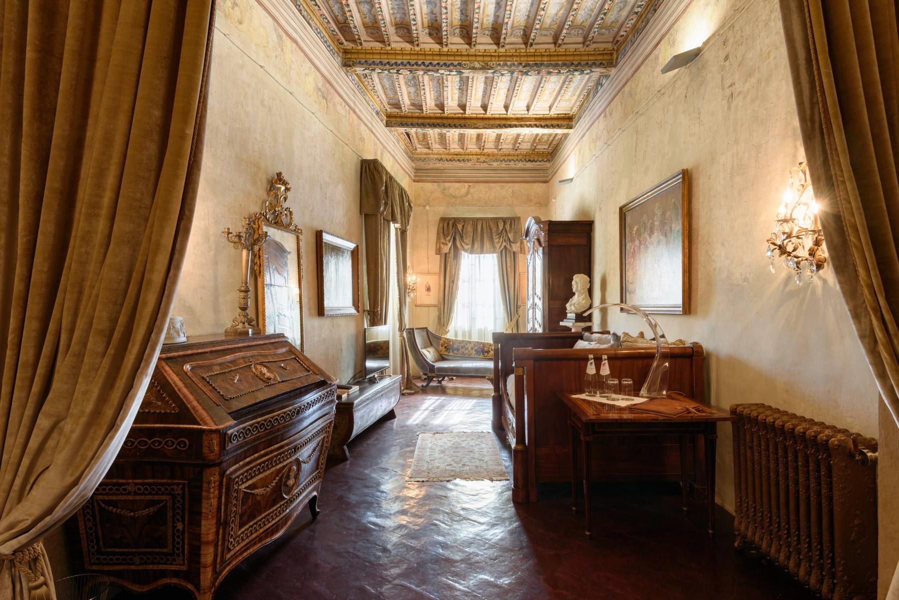 Unique Deluxe Historical Palazzo in Cortona - 11