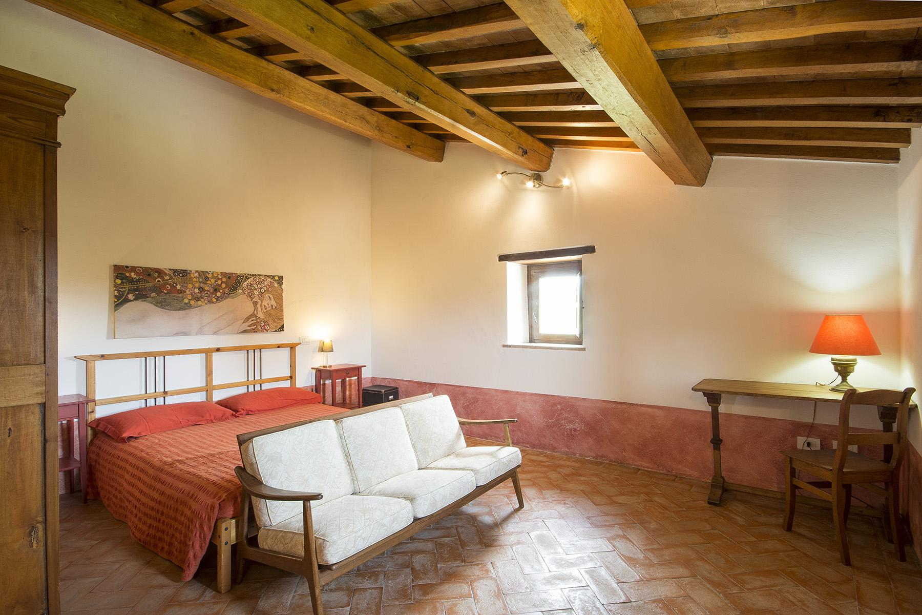 Exceptional property between Tuscany and Umbria - 20