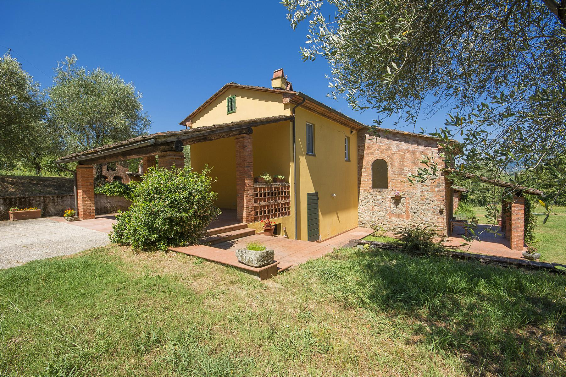 Beautiful farmhouse on the rolling hills of Lucca - 26