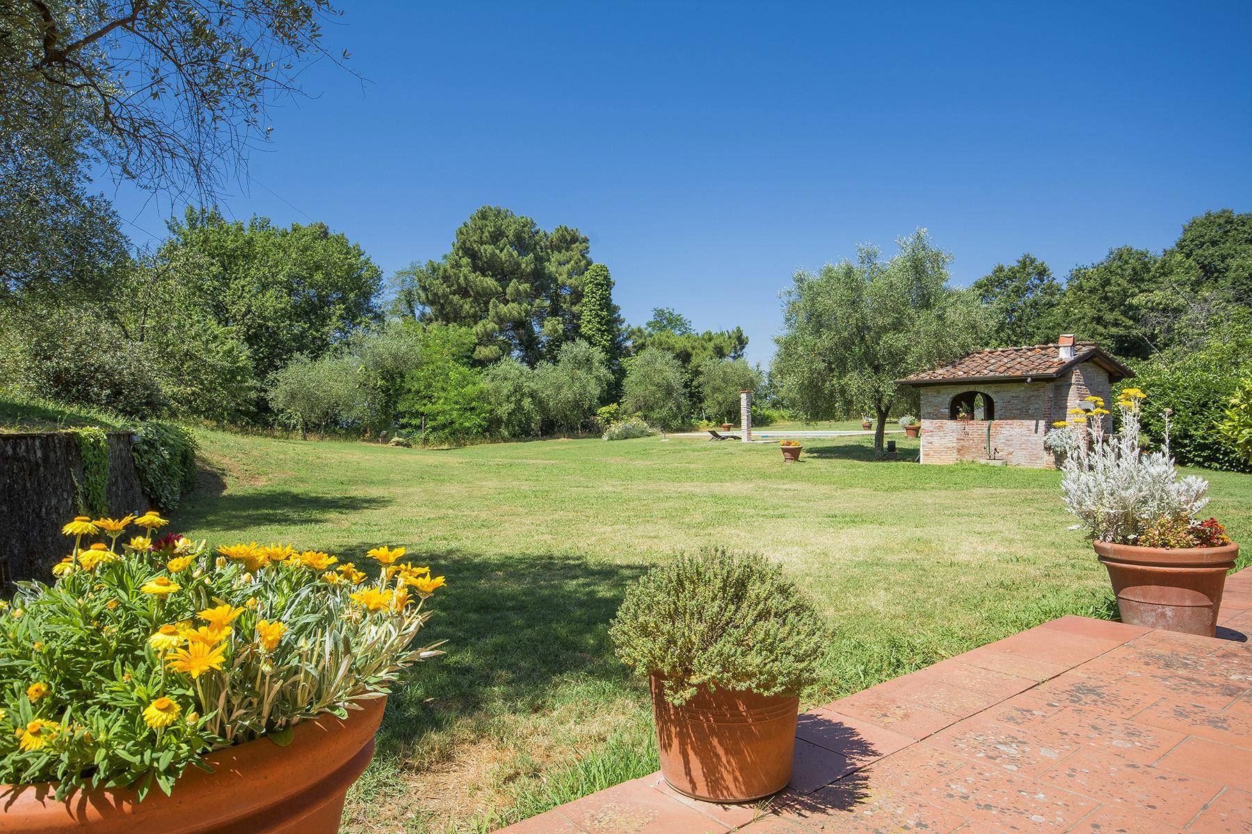 Beautiful farmhouse on the rolling hills of Lucca - 25