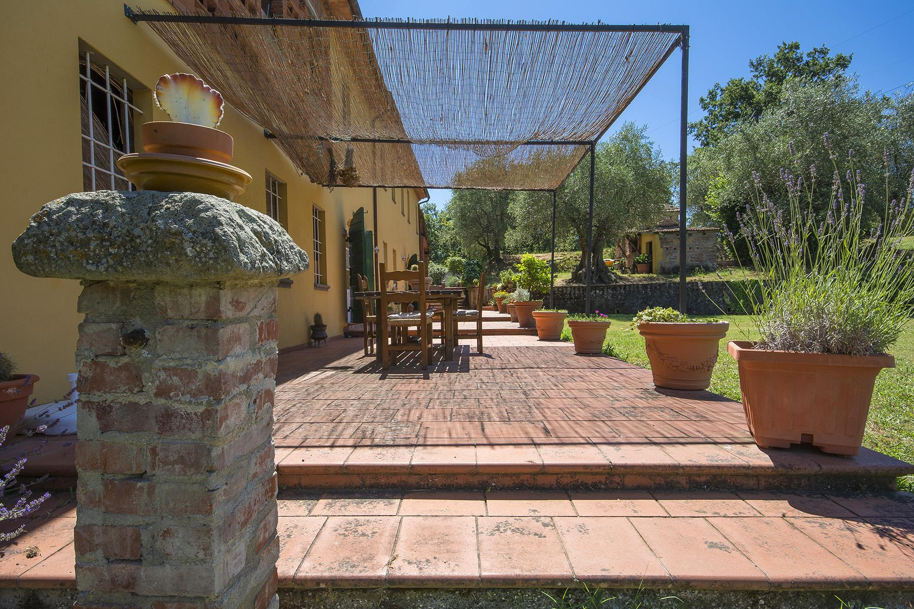 Beautiful farmhouse on the rolling hills of Lucca - 3
