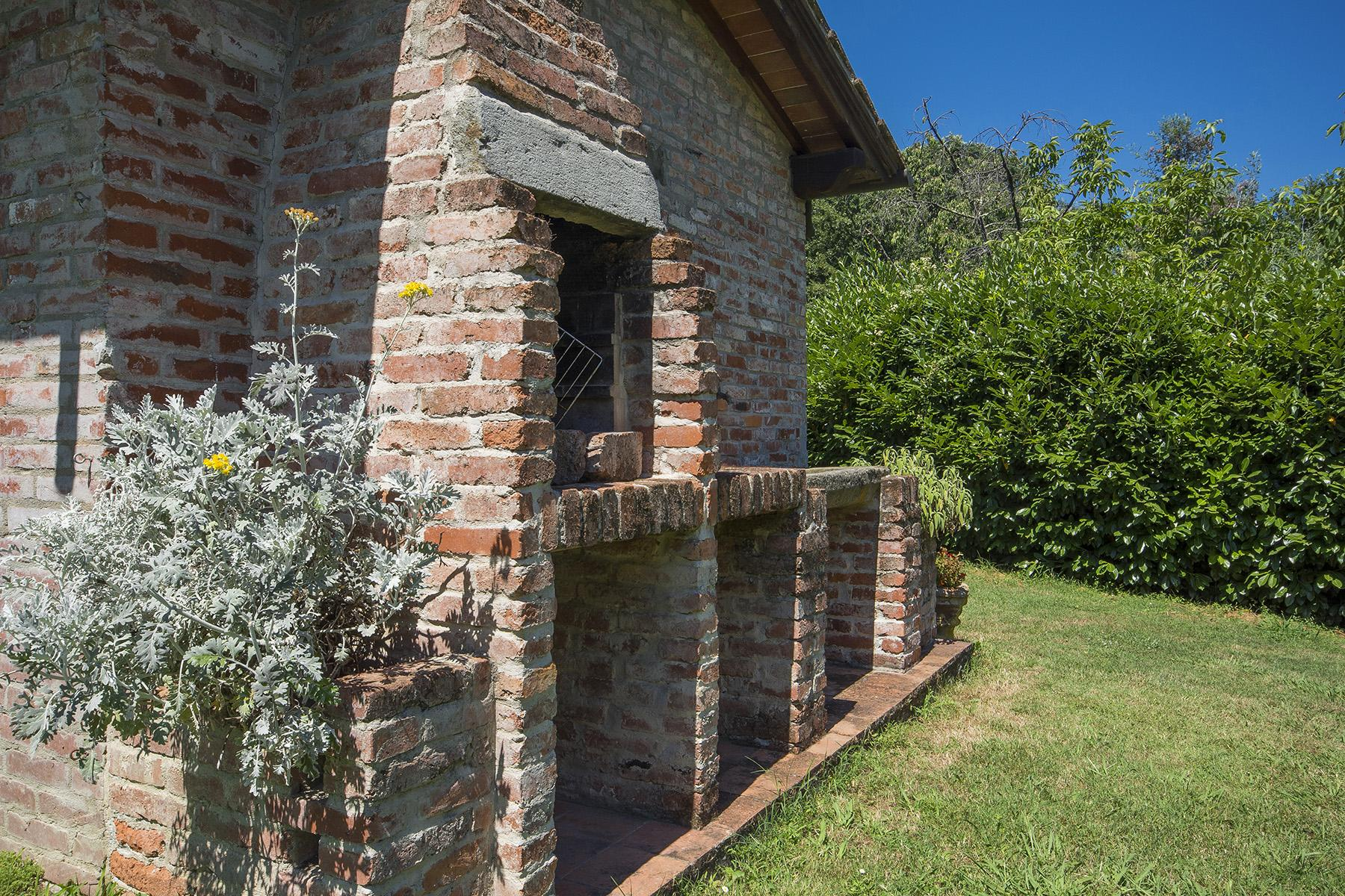 Beautiful farmhouse on the rolling hills of Lucca - 32