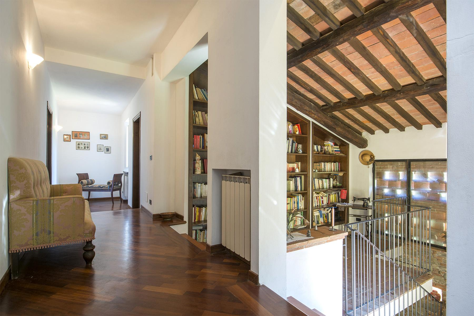 Beautiful farmhouse on the rolling hills of Lucca - 23