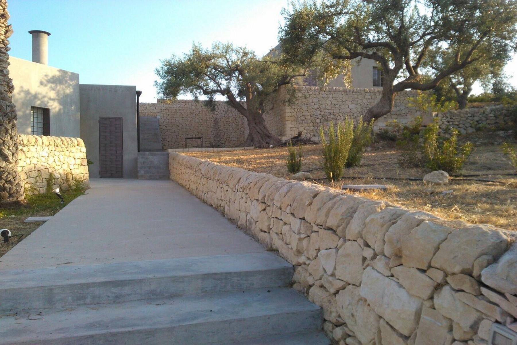 Elegante Design-Villa mit Blick auf das Vendicari-Reservat - 28